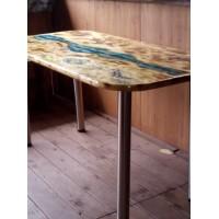 Стол ручной работы из дерева и стекла